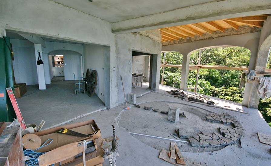 251a-with-the-large-stone-circular-floor-where-the-dining-table-will-be