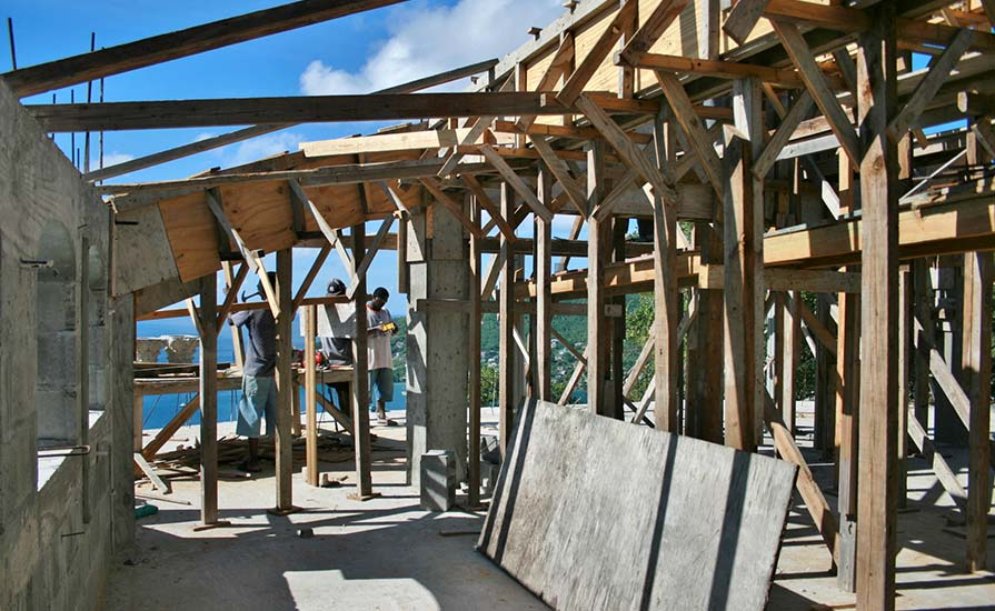 285-Timbers-support-the-massive-roof-beams-until-they-are-cast