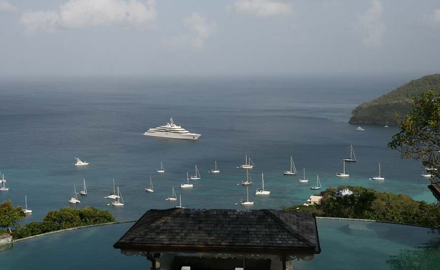 302a-They-say-all-super-yachts-eventually-pass-though-Bequia