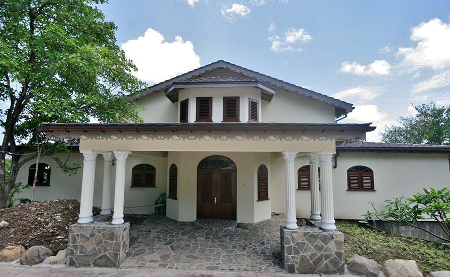 332-The-main-entrance-to-the-Villa-is-now-complete