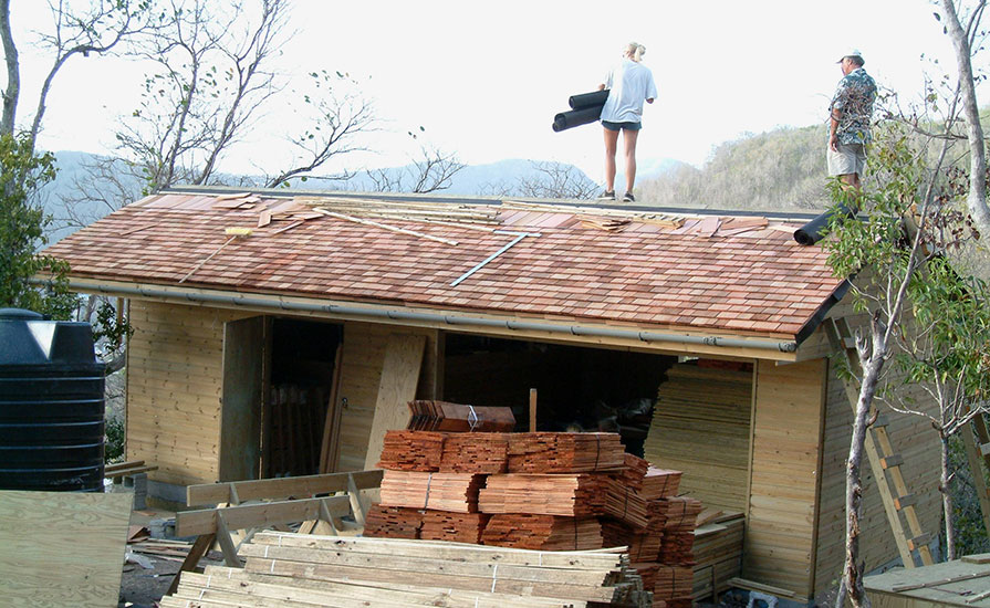 36-Me-and-Sam-laying-cedar-shingles-on-the-roof